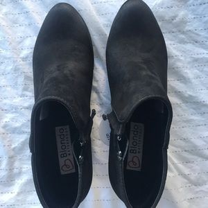 Blondo black booties